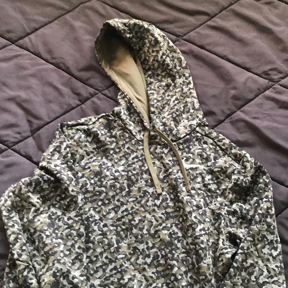 96fb9284 Nike camouflage hoodie